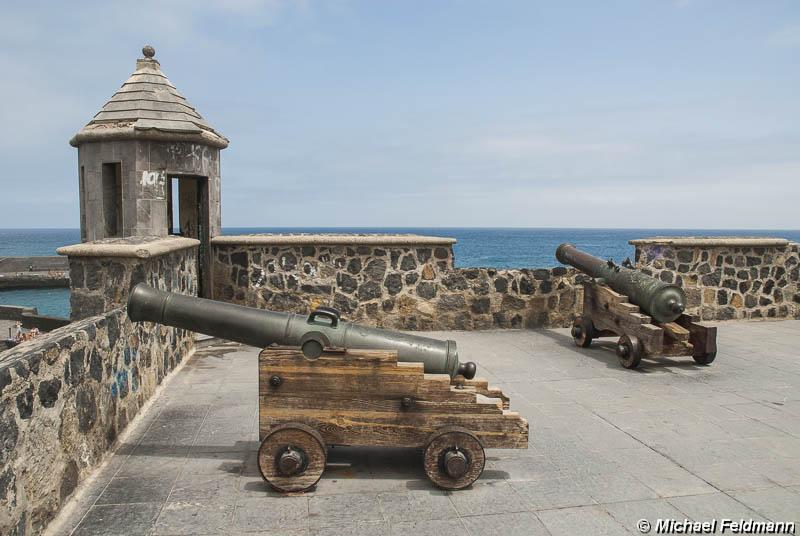 Befestigungsanlage am hafen von puerto de la cruz - Puerto de la cruz sehenswurdigkeiten ...